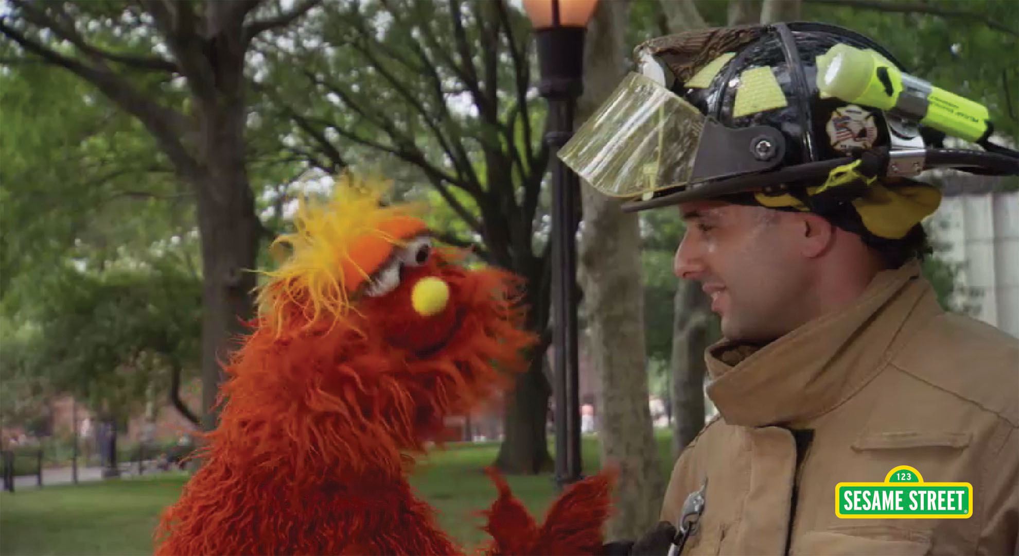 Word On the Street: Observe with Murrary | Sesame Street