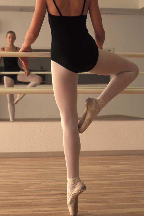 Image of ballet dancer at the barre
