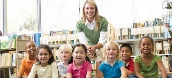 ELPS-TELPAS Proficiency Level Descriptors image of teacher and ELL students